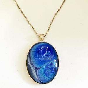 Necklace Blue Swirly Oval